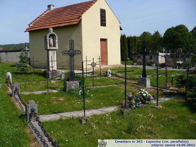 Cmentarz wojenny z I wojny nr 342 - Łapanów (cm. parafialny)