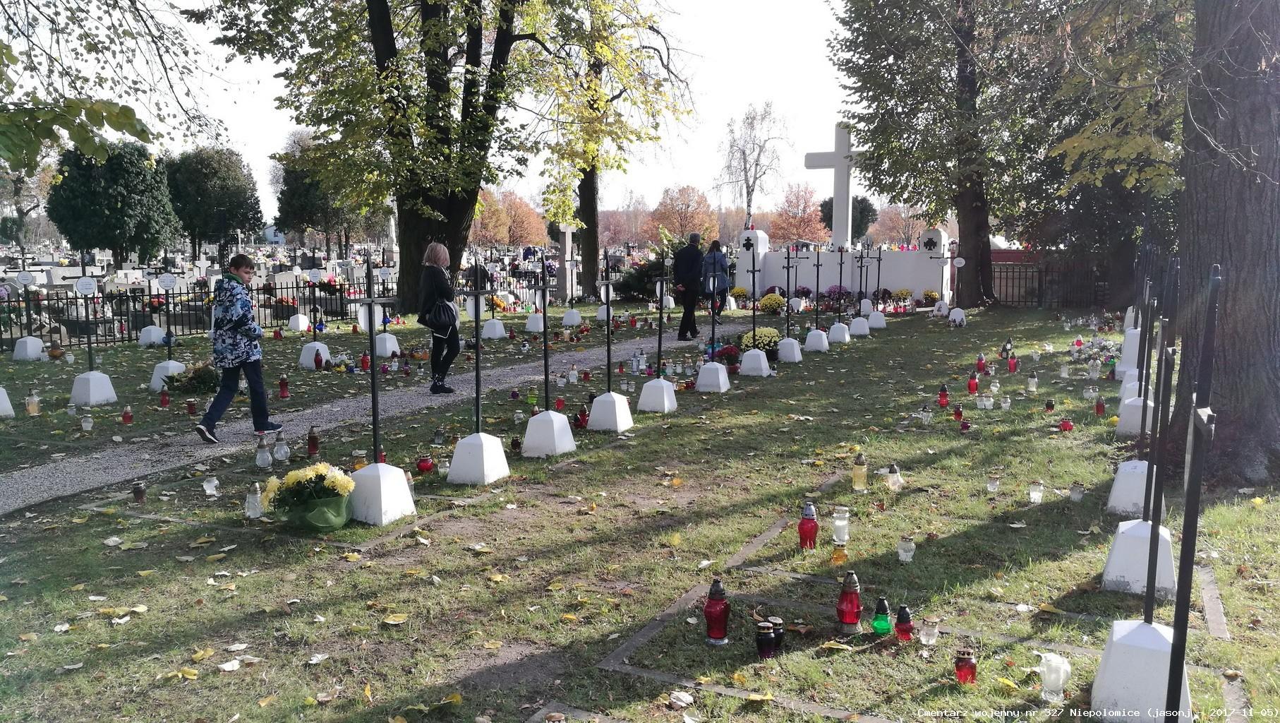 Cmentarz wojenny z I wojny nr 327 - Niepołomice (kwatera na cm. paraf.)