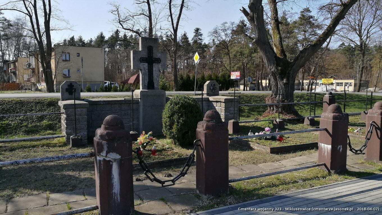 Cmentarz wojenny z I wojny nr 323 - Mikluszowice (cm. parafialny)