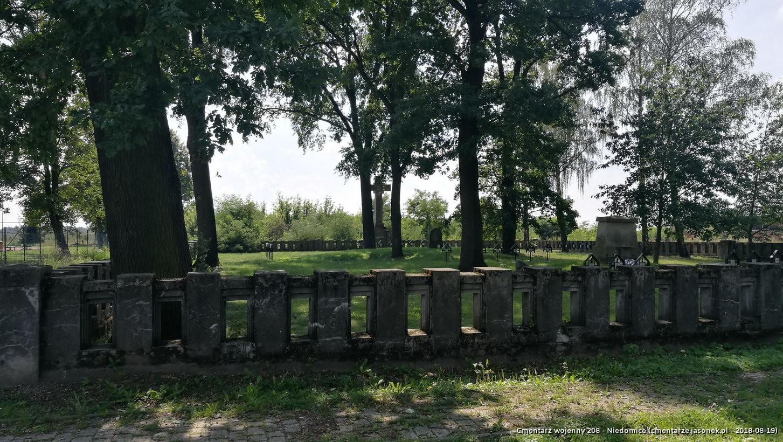 Cmentarz wojenny 208 - Niedomice