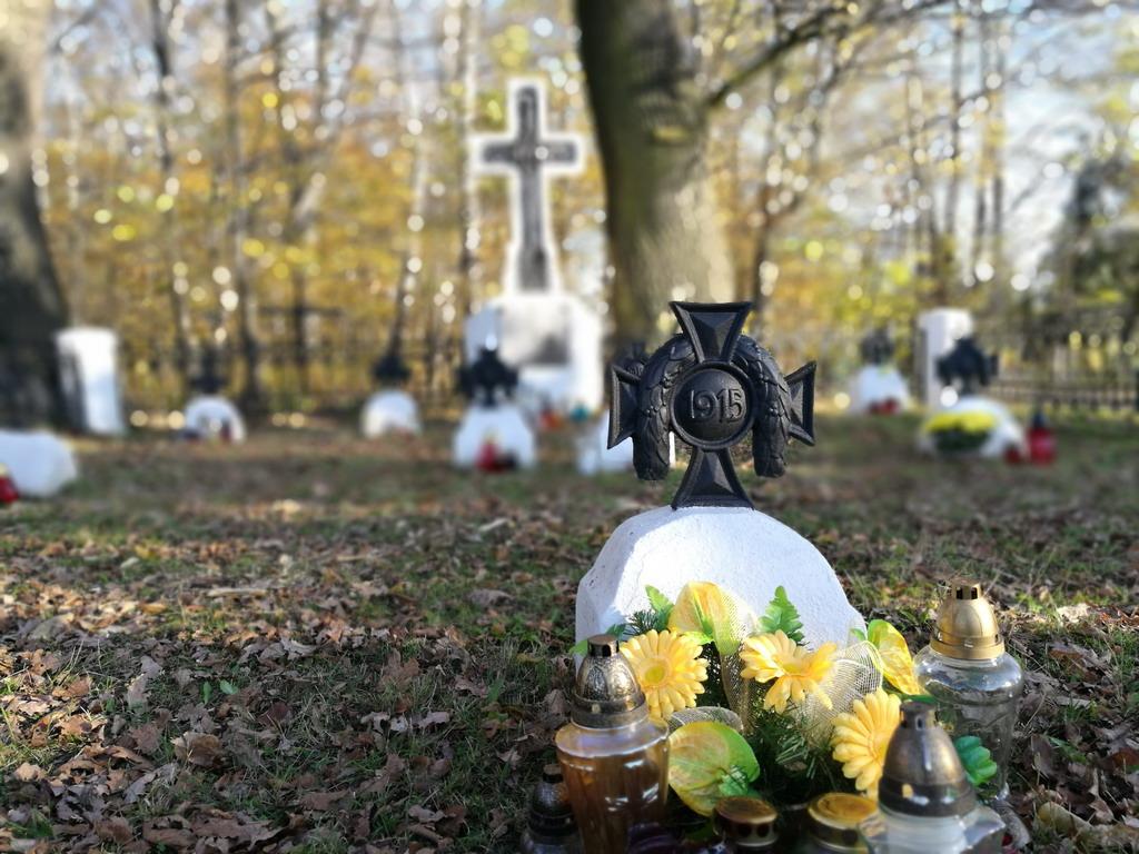 100 cmentarzy na 100 lecie i nowa strona